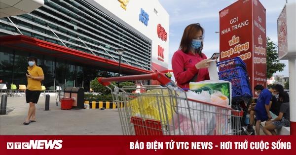 Chủ tịch Khánh Hòa bác tin đồn đóng cửa toàn bộ các siêu thị để phòng dịch