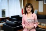 Chân dung tân nữ Bộ trưởng Quốc phòng tài sắc vẹn toàn của Nhật Bản