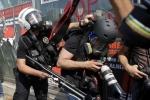 Những bức ảnh lột tả công việc nguy hiểm của phóng viên chiến trường