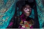 Người mẫu Châu Phi gây ấn tượng mạnh với áo dài cổ Việt