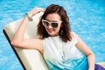 Lã Thanh Huyền khoe vẻ thon gọn, gợi cảm bên bể bơi