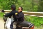 Video: Hoảng hốt bé 7 tuổi chở em nhỏ phóng xe máy đổ đèo Hà Giang