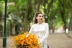 Hồ Ngọc Hà bất ngờ xuất hiện dịu dàng, xinh đẹp trên phố Hà Nội