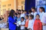 'Tết sẻ chia' mang thương yêu đến huyện nghèo nhất tỉnh Cao Bằng
