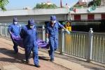 Tá hỏa phát hiện thi thể phụ nữ nổi dưới kênh Nhiêu Lộc – Thị Nghè