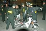 Chạy chốt 141, hai nam thanh niên tông cảnh sát cơ động bất tỉnh