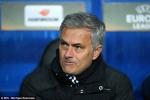 """Mourinho một đời dẹp loạn """"quyền lực đen"""""""