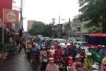 Mưa lớn đầu tuần, đường Sài Gòn lại kẹt cứng