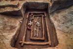 Phát hiện bộ xương cao bất thường trong ngôi mộ 5000 tuổi