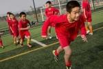 HLV Hoàng Anh Tuấn chỉ rõ điểm yếu của bóng đá Trung Quốc giống hệt Việt Nam