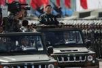 Ông Tập Cận Bình dự lễ diễu binh lớn chưa từng có tại Hong Kong