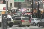 Tàu trật đường ray ngay trung tâm New York, hàng chục người bị thương