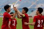 HLV Hữu Thắng khen Công Vinh, chê hàng thủ tuyển Việt Nam