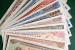 Gần Tết tiền giấy cũ hút khách