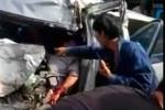 Video: Giải cứu tài xế kẹt trong cabin trong tai nạn kinh hoàng ở Quảng Ninh