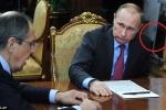 'Vật thể lạ' không xác định xuất hiện trong phòng Tổng thống Putin