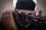 Nhan sắc nữ chiến binh Syria chiến đấu với IS
