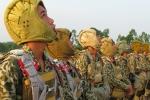 Đặc công Việt Nam luyện tập kỹ năng đổ bộ đường không