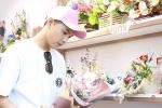 'Truy lùng' cô gái may mắn nhận hoa do Noo Phước Thịnh đích thân đi mua