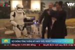Clip: Vợ chồng Tổng thống Mỹ nhảy điệu robot nhân ngày Star Wars