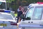 Video: Nổ súng, bắt cóc con tin ở Sydney, 3 người thương vong