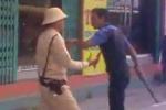 Lao xe vào tổ công tác, cướp gậy đánh CSGT bị thương