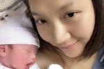 Siêu mẫu Ngọc Quyên sinh con trai nặng 3,1kg tại Mỹ