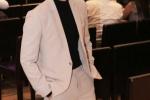 Quang Vinh lịch lãm đến chúc mừng Trịnh Thăng Bình ra mắt album mới, đây là sản phẩm âm nhạc được giọng ca