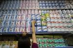 Thuế sữa cao hơn thuế bia rượu, giá xăng 'bất động' rồi tăng vọt
