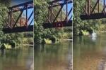 Clip sốc: Mẹ dửng dưng đứng nhìn con trai 4 tuổi bị gã đàn ông ném xuống sông