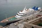 10 siêu du thuyền trăm triệu USD 'nuốt trọn' sân vận động