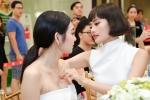 Kim Chi 'The Face' chăm chút em họ Trương Ngọc Ánh từng li từng tí