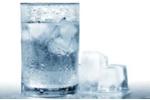 Nước đá lạnh: Dù sạch cũng tiềm ẩn nguy hại khôn lường
