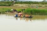 Chèo thuyền bắt cá gặp phải nước xoáy, 2 cha con thương vong