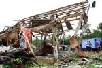 Lốc xoáy cuốn bay hàng trăm ngôi nhà ở Quảng Trị