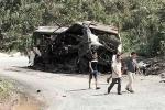 Clip: Hiện trường thảm khốc vụ nổ xe khách tại Lào, 8 người Việt chết tại chỗ
