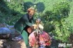 Ảnh: Lên xứ Lạng xem na 'đu' dây xuống núi từ vách đá cheo leo