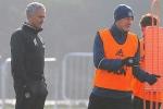 Mourinho hết phép, cầu cứu Schweinsteiger, Mkhitaryan