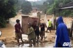 Video: Lũ quét khủng khiếp cuốn trôi 11 nhà dân ở Nghệ An