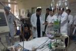 Người nhà bệnh nhân sốc phản vệ ở Hòa Bình: 'Chỉ cầu mong bà ấy sớm tỉnh lại'