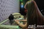 Chủ quán karaoke bị đánh dã man: Nữ tiếp viên từng bị Phong 'ẩm' dí thẳng điếu thuốc vào mặt