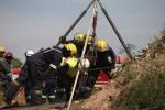 Chật vật cứu 200 người kẹt dưới mỏ vàng