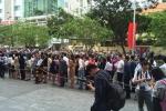 Video: Hàng ngàn người xếp hàng từ sáng sớm ở GEM Center đợi Tổng thống Obama