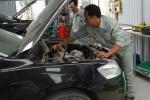 Những 'góc khuất' trong nghề sửa chữa ôtô: Làm đùa - Ăn thật