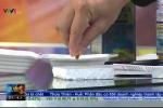 Clip: Tận thấy dầu cá Omega 3 nhái xuyên thủng miếng xốp trên sóng truyền hình