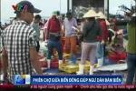 Clip: Phiên chợ đặc biệt giữa Biển Đông của ngư dân bám biển
