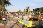 Ảnh: Diễu hành xe hoa rước Phật Đản sinh trên phố Đà Nẵng