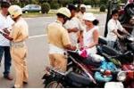 CSGT mở đợt cao điểm xử phạt không đội mũ bảo hiểm