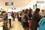 Người dân hào hứng với ngày mua sắm Black Friday