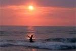 Cứu thiếu nữ tự vẫn trên bãi biển